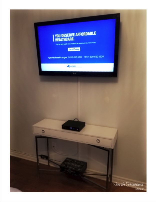 Flat-Screen-TV wall mount-Installation with wire management